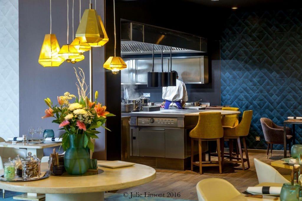 la maison d 39 c t restaurant toil du chef christophe hay. Black Bedroom Furniture Sets. Home Design Ideas